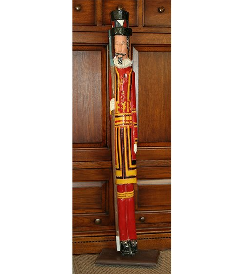 Beefeater Yeoman Warder Hand Carved Vintage Soldier